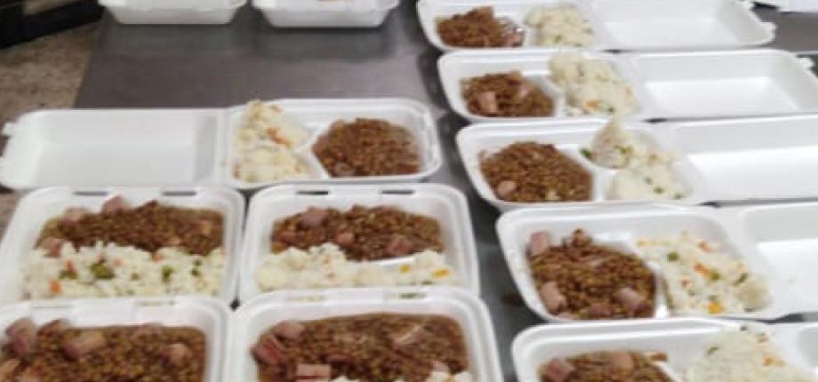 Alimentos para familias necesitadas