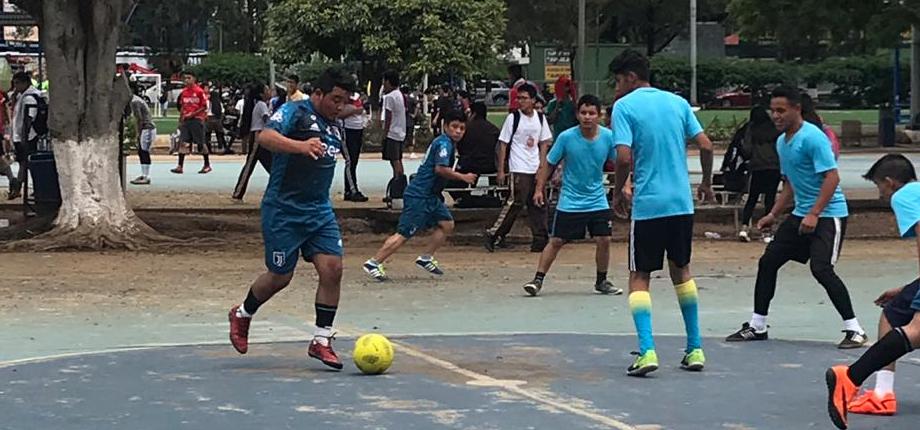 Campeonato de fútbol a beneficio de Fundación Yarol León